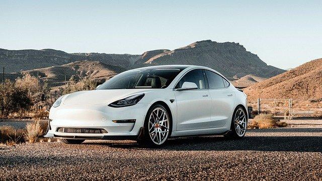 Le Auto elettriche convengono